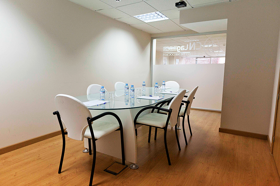 Showroom cn centros de negocios coworking networking for Oficinas coworking madrid
